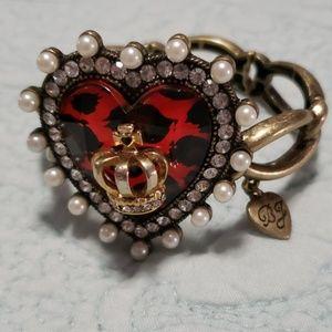 Betsey Johnson VINTAGE Queen Heart Bracelet